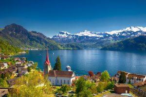 Paket Tour Wisata Liburan Eropa Paris Swiss Germany Netherland 8D7N 2020 Murah - Lake Lucerne