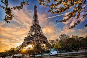 Paket Tour Wisata Liburan Paris Swiss Germany Netherland 8D7N 2020 Murah - Eiffel Tower