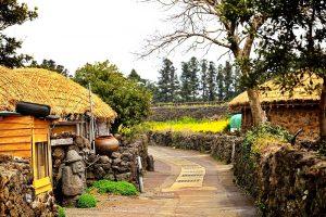 Paket Tour Wisata Liburan Asia Korea Jeju 6D Lebaran 2020 Murah - AmwindoTourCom - Seongeup Folk Village Jeju